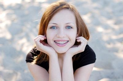 teenager with braces | madera ca orthodontics